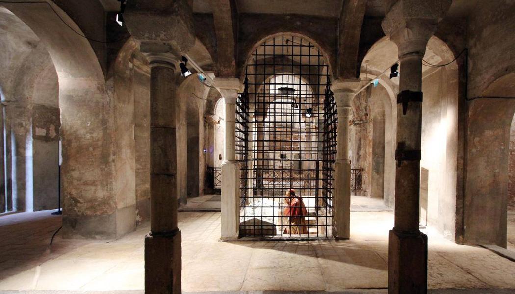 Risultati immagini per cripta di san sepolcro